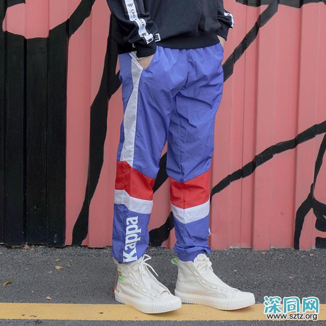 新式校服你穿过吗?趣味卫裤让你刮目相看